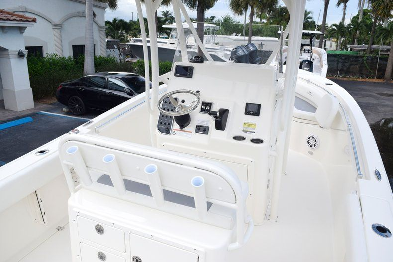 Thumbnail 17 for New 2020 Cobia 237 CC Center Console boat for sale in Fort Lauderdale, FL