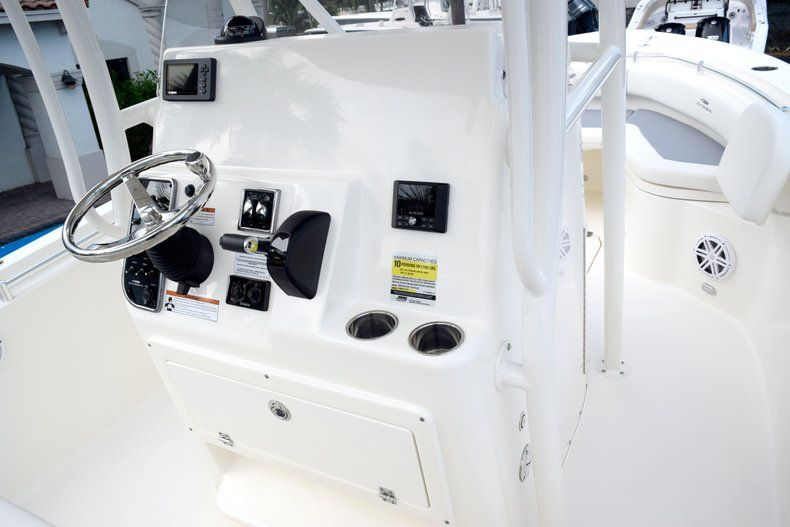 Thumbnail 34 for New 2020 Cobia 237 CC Center Console boat for sale in Fort Lauderdale, FL