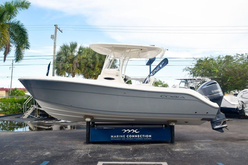 Thumbnail 4 for New 2020 Cobia 237 CC Center Console boat for sale in Fort Lauderdale, FL