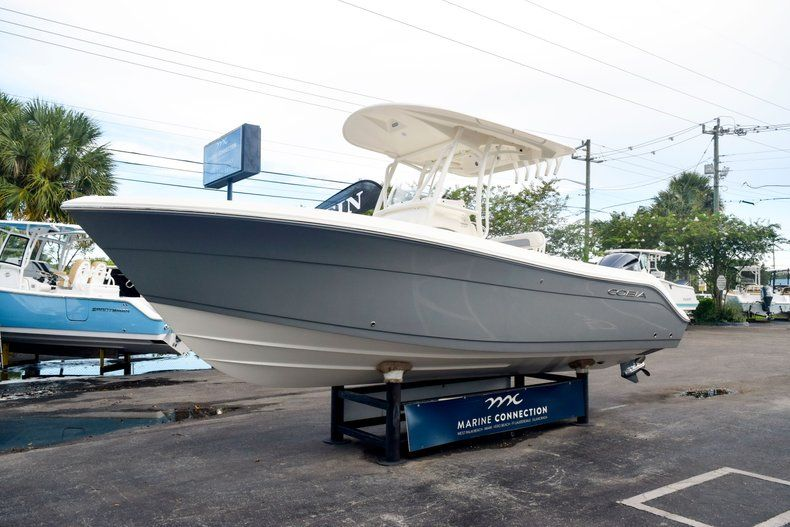 Thumbnail 3 for New 2020 Cobia 237 CC Center Console boat for sale in Fort Lauderdale, FL