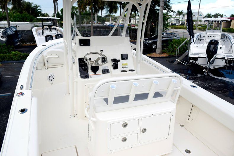 Thumbnail 8 for New 2020 Cobia 237 CC Center Console boat for sale in Fort Lauderdale, FL