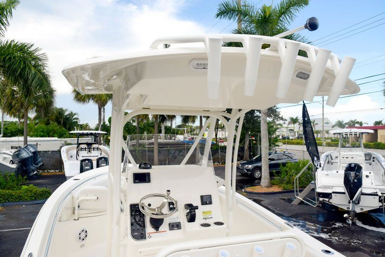 Thumbnail 11 for New 2020 Cobia 237 CC Center Console boat for sale in Fort Lauderdale, FL