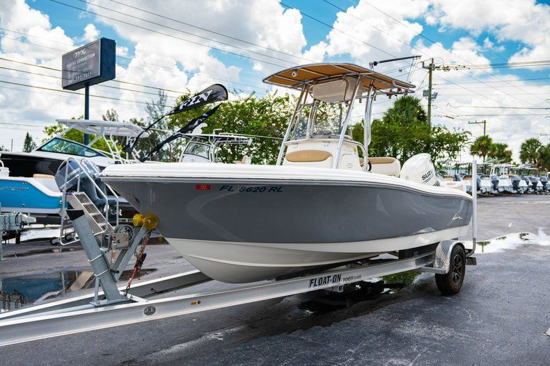 Thumbnail 3 for Used 2017 Pioneer 202 boat for sale in West Palm Beach, FL