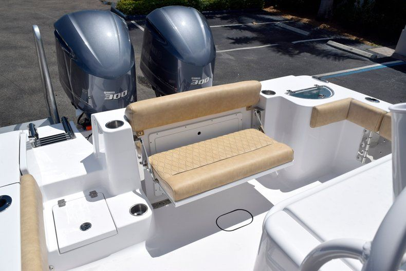 Thumbnail 12 for New 2020 Sportsman Open 282 Center Console boat for sale in Vero Beach, FL