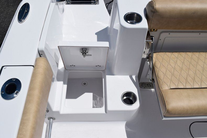 Thumbnail 11 for New 2020 Sportsman Open 282 Center Console boat for sale in Vero Beach, FL