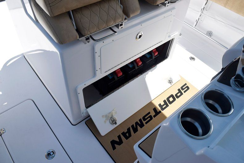 Thumbnail 38 for New 2020 Sportsman Open 282 Center Console boat for sale in Vero Beach, FL