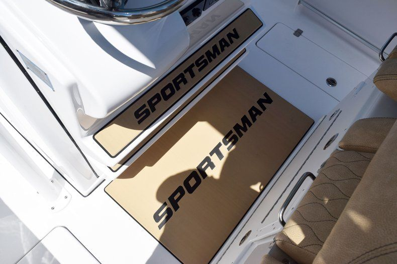 Thumbnail 40 for New 2020 Sportsman Open 282 Center Console boat for sale in Vero Beach, FL