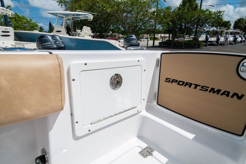 Image 18 for 2020 Sportsman Open 252 Center Console in Vero Beach, FL