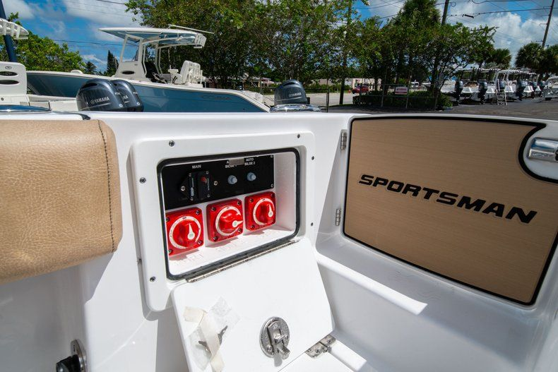 Image 19 for 2020 Sportsman Open 252 Center Console in Vero Beach, FL