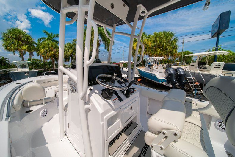 Thumbnail 18 for New 2020 Sportsman Heritage 211 Center Console boat for sale in Miami, FL