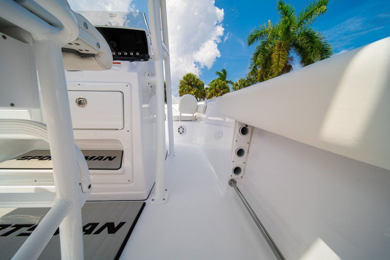 Thumbnail 15 for New 2020 Sportsman Heritage 211 Center Console boat for sale in Miami, FL