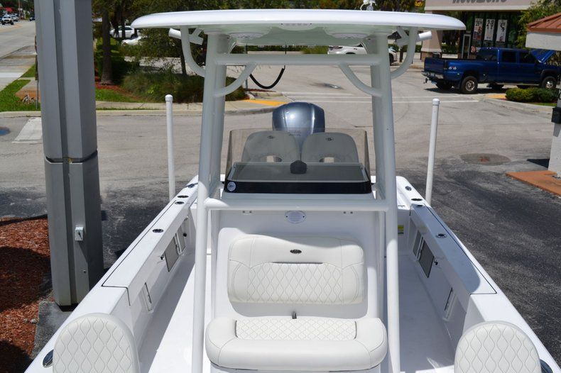 Thumbnail 15 for New 2020 Sportsman Masters 247 Bay Boat boat for sale in Fort Lauderdale, FL