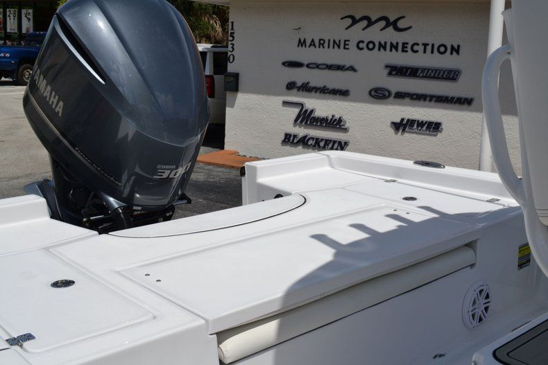 Thumbnail 18 for New 2020 Sportsman Masters 247 Bay Boat boat for sale in Fort Lauderdale, FL