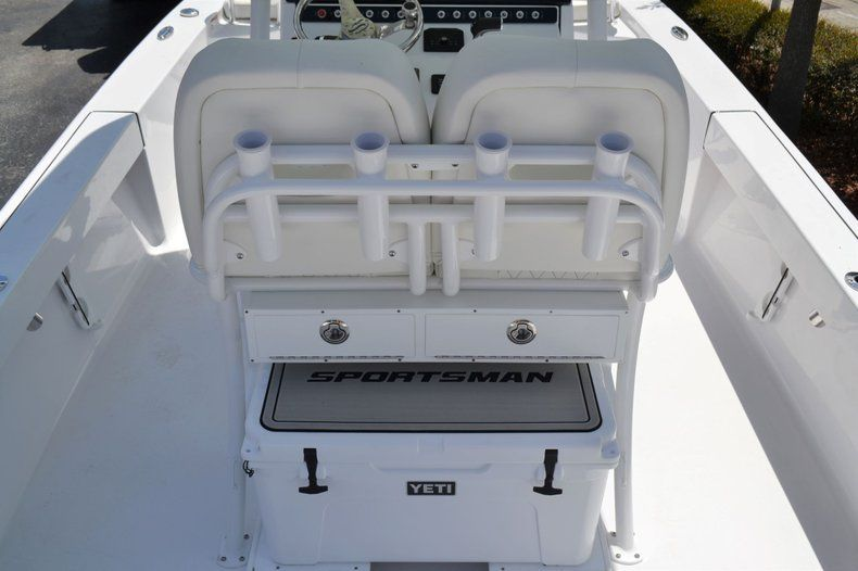 Thumbnail 8 for New 2020 Sportsman Masters 247 Bay Boat boat for sale in Fort Lauderdale, FL
