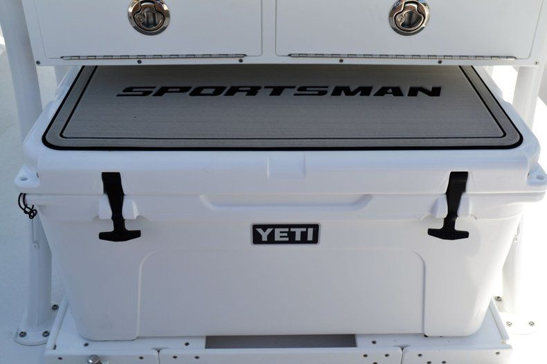 Thumbnail 24 for New 2020 Sportsman Masters 247 Bay Boat boat for sale in Fort Lauderdale, FL