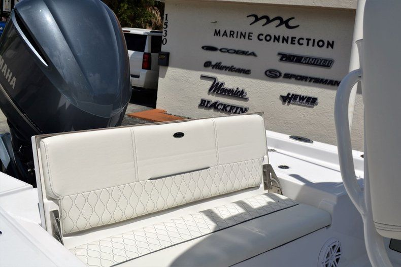 Thumbnail 19 for New 2020 Sportsman Masters 247 Bay Boat boat for sale in Fort Lauderdale, FL
