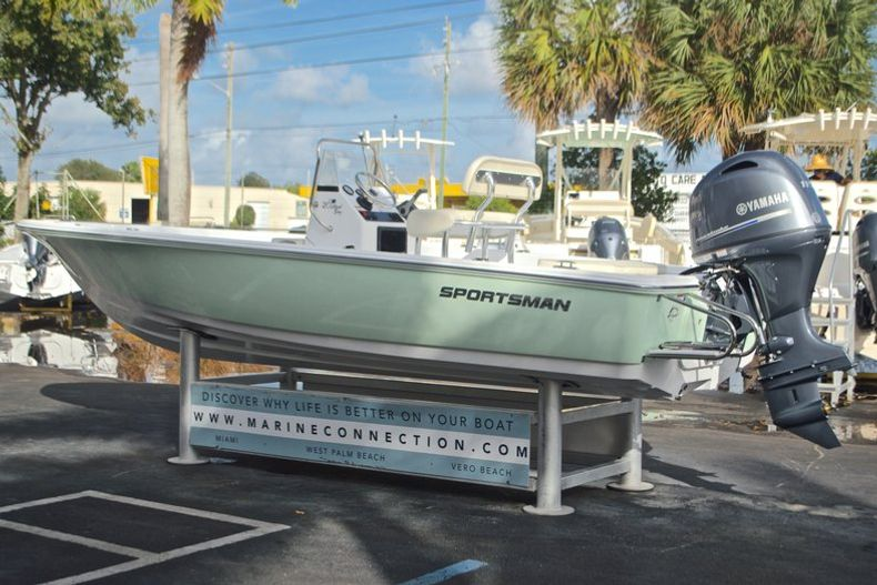 Thumbnail 5 for New 2017 Sportsman 20 Island Bay boat for sale in Miami, FL