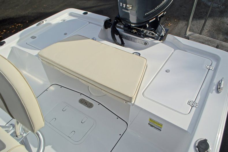 Thumbnail 9 for New 2017 Sportsman 20 Island Bay boat for sale in Miami, FL