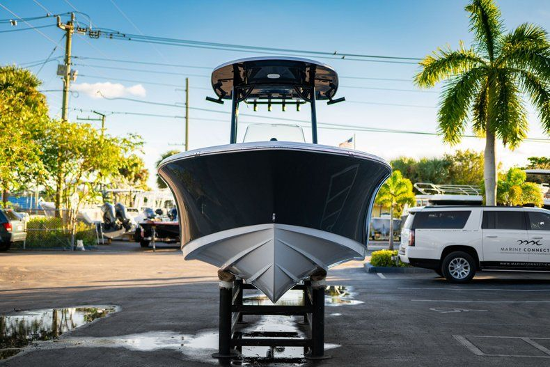 Thumbnail 2 for New 2020 Sportsman Open 232 Center Console boat for sale in West Palm Beach, FL