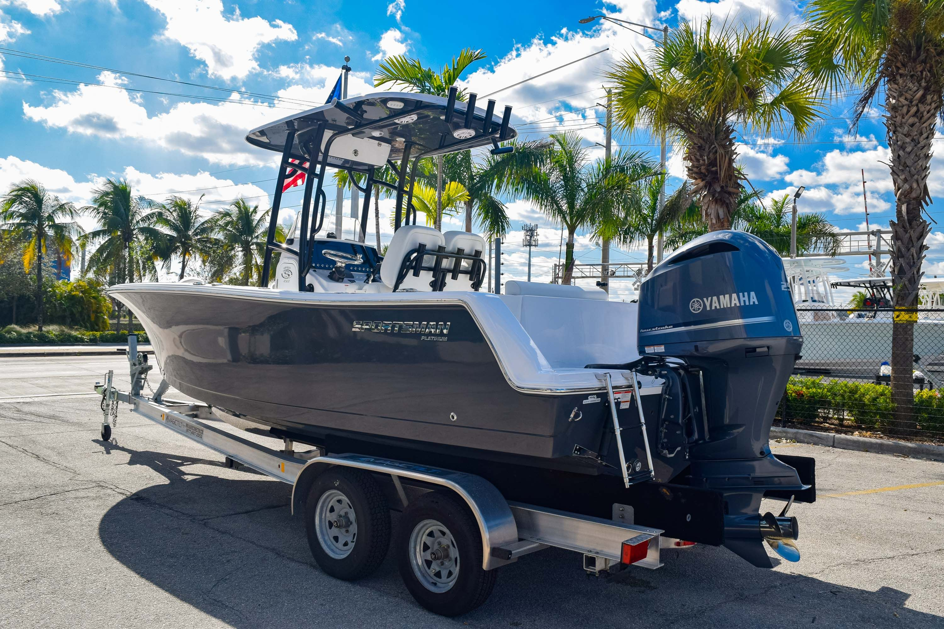Thumbnail 5 for New 2020 Sportsman Open 232 Center Console boat for sale in Fort Lauderdale, FL