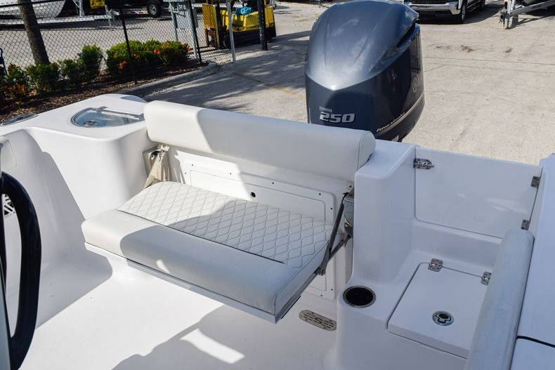 Thumbnail 9 for New 2020 Sportsman Open 232 Center Console boat for sale in Vero Beach, FL