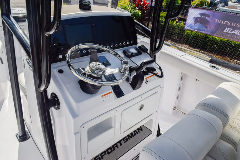 Thumbnail 19 for New 2020 Sportsman Open 232 Center Console boat for sale in Vero Beach, FL