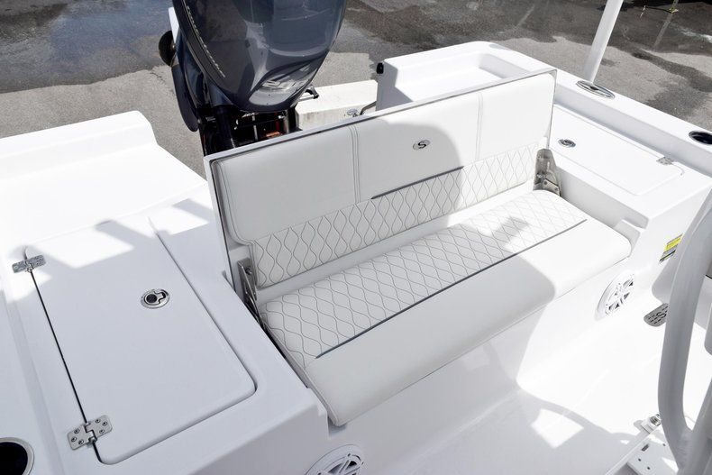 Thumbnail 13 for New 2020 Sportsman Masters 227 Bay Boat boat for sale in Miami, FL