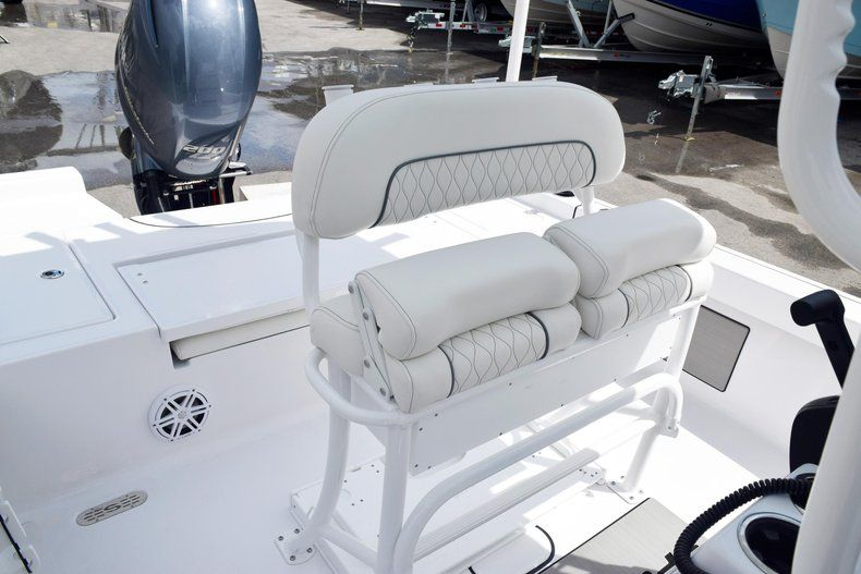 Thumbnail 24 for New 2020 Sportsman Masters 227 Bay Boat boat for sale in Miami, FL