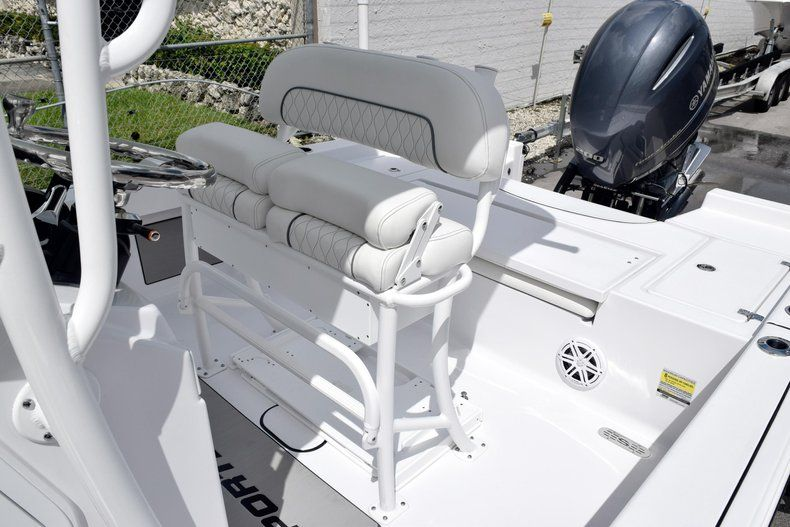Thumbnail 26 for New 2020 Sportsman Masters 227 Bay Boat boat for sale in Miami, FL