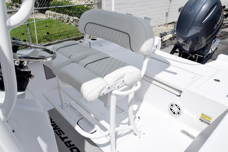 Thumbnail 27 for New 2020 Sportsman Masters 227 Bay Boat boat for sale in Miami, FL