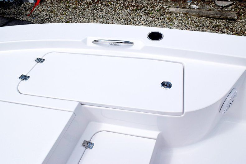 Thumbnail 53 for New 2020 Sportsman Masters 227 Bay Boat boat for sale in Miami, FL