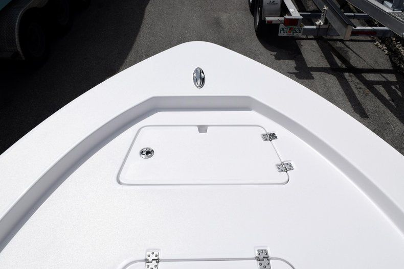 Thumbnail 55 for New 2020 Sportsman Masters 227 Bay Boat boat for sale in Miami, FL