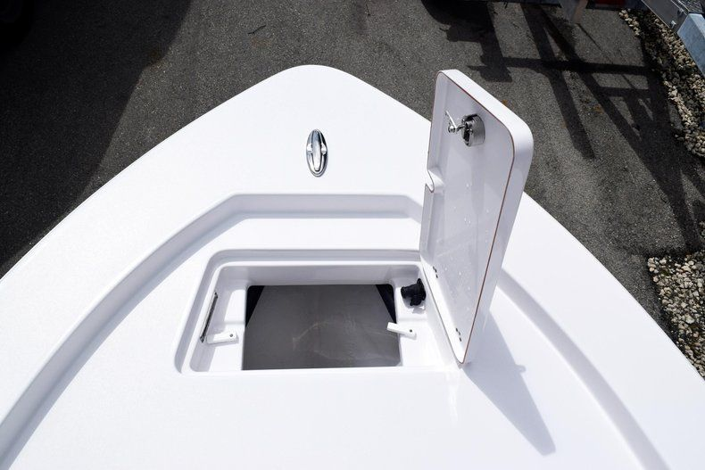 Thumbnail 56 for New 2020 Sportsman Masters 227 Bay Boat boat for sale in Miami, FL