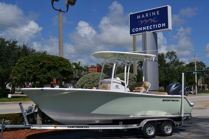 Thumbnail 0 for New 2020 Sportsman Open 212 Center Console boat for sale in Vero Beach, FL