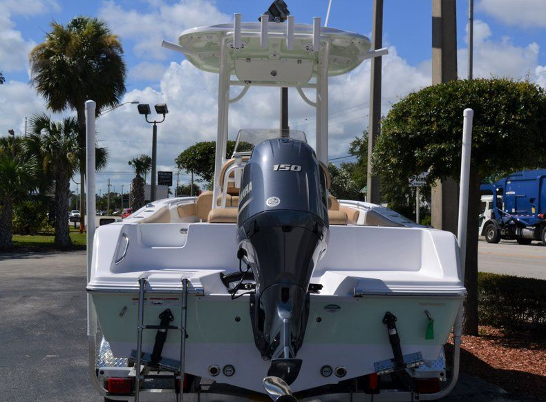 Thumbnail 5 for New 2020 Sportsman Open 212 Center Console boat for sale in Vero Beach, FL