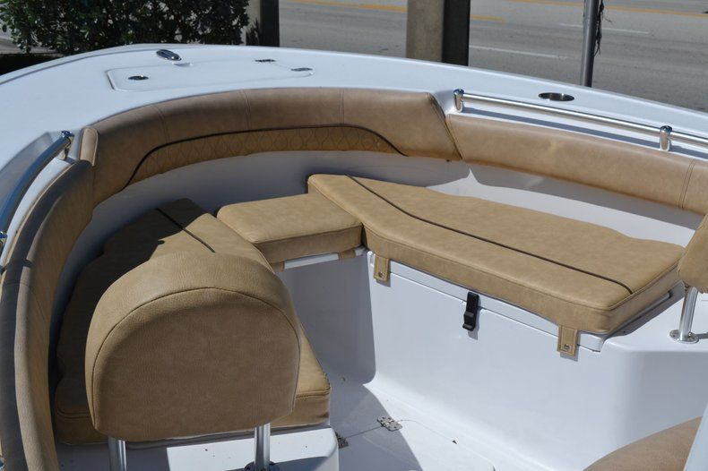 Thumbnail 11 for New 2020 Sportsman Open 212 Center Console boat for sale in Vero Beach, FL