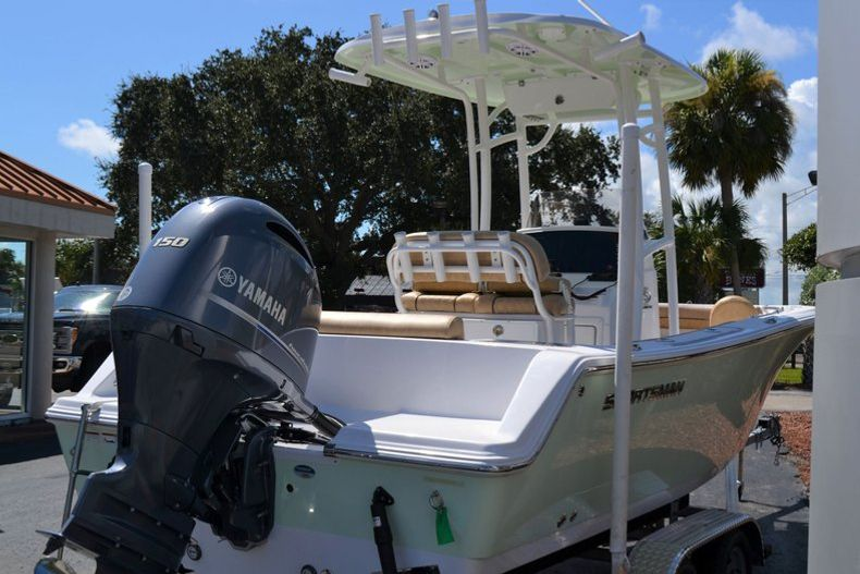 Thumbnail 6 for New 2020 Sportsman Open 212 Center Console boat for sale in Vero Beach, FL