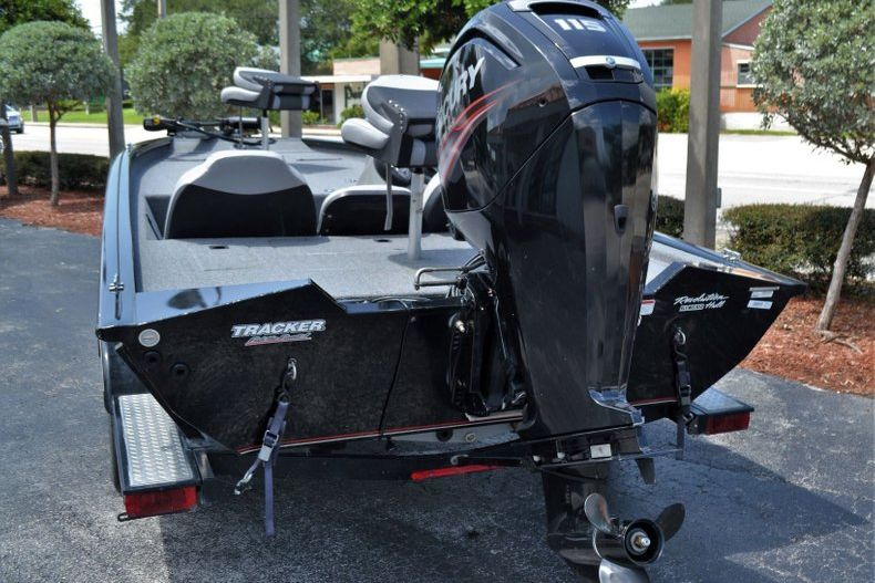 Thumbnail 4 for Used 2016 Tracker Pro 190 TX boat for sale in Vero Beach, FL