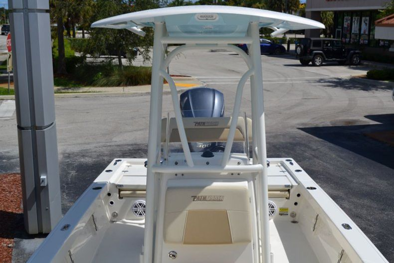 Thumbnail 13 for New 2020 Pathfinder 2400 TRS Bay Boat boat for sale in Vero Beach, FL
