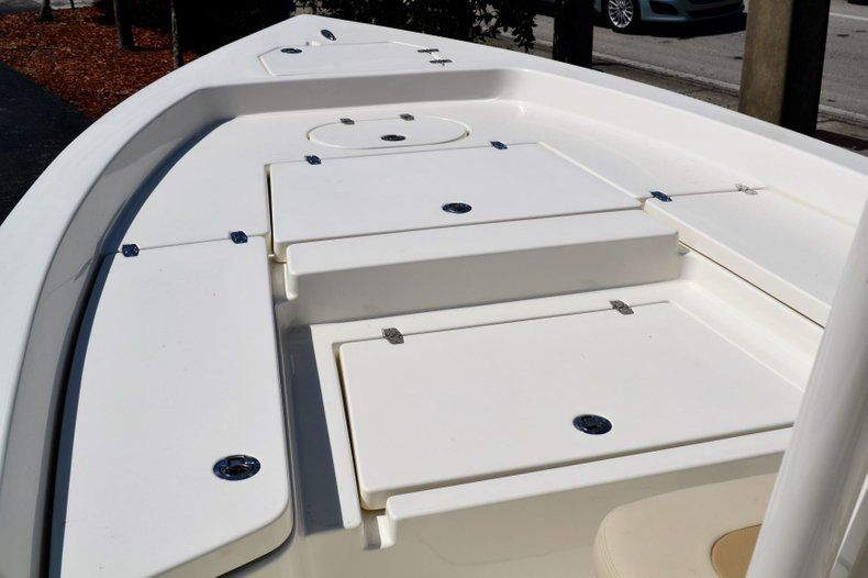 Thumbnail 11 for New 2020 Pathfinder 2400 TRS Bay Boat boat for sale in Vero Beach, FL