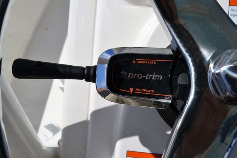 Thumbnail 19 for New 2020 Pathfinder 2400 TRS Bay Boat boat for sale in Vero Beach, FL