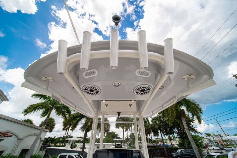 Thumbnail 9 for New 2020 Cobia 240 CC Center Console boat for sale in Fort Lauderdale, FL
