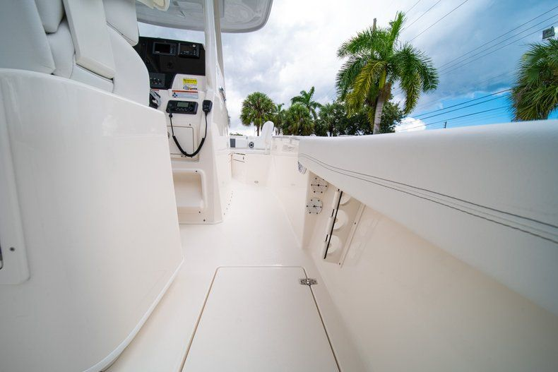 Thumbnail 19 for New 2020 Cobia 240 CC Center Console boat for sale in Fort Lauderdale, FL