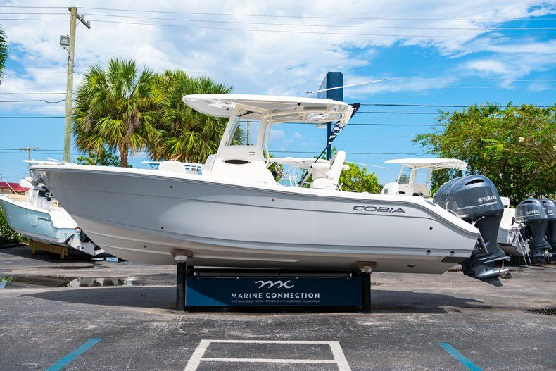 Thumbnail 4 for New 2020 Cobia 240 CC Center Console boat for sale in Fort Lauderdale, FL