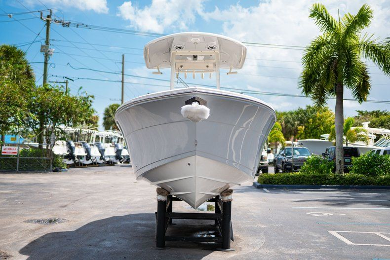 Thumbnail 2 for New 2020 Cobia 240 CC Center Console boat for sale in Fort Lauderdale, FL