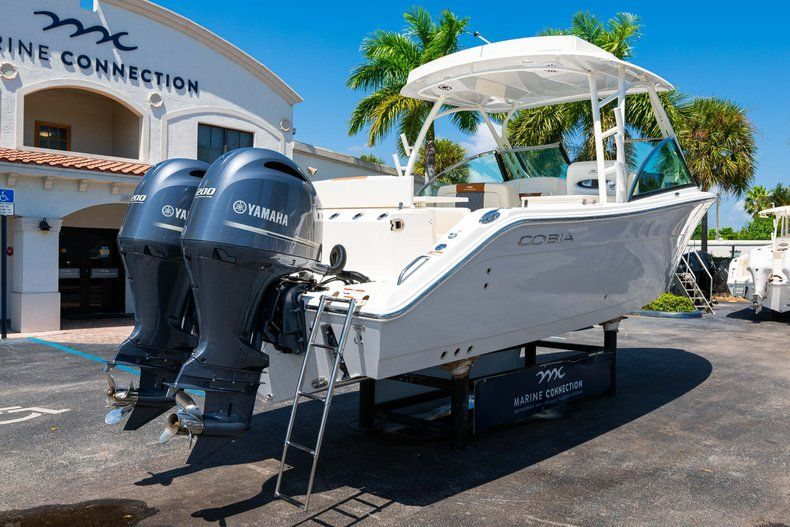 Thumbnail 7 for New 2020 Cobia 280 DC Dual Console boat for sale in Vero Beach, FL