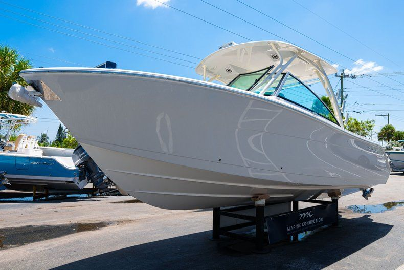 Thumbnail 3 for New 2020 Cobia 280 DC Dual Console boat for sale in Vero Beach, FL