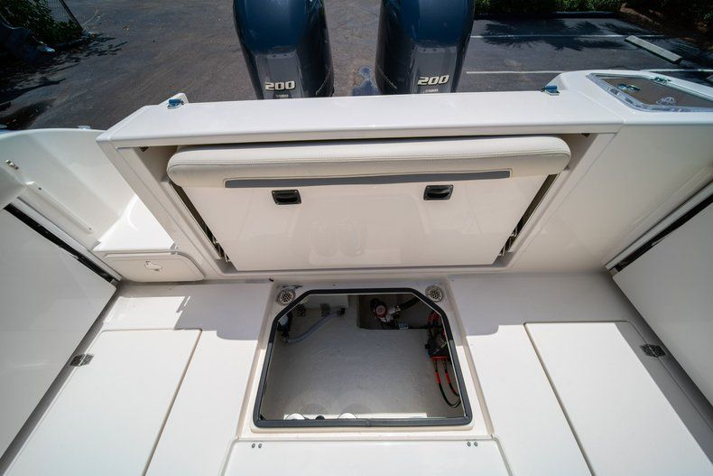 Image 17 for 2020 Cobia 280 DC Dual Console in West Palm Beach, FL