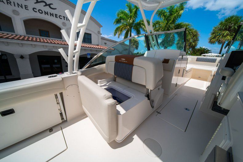 Thumbnail 21 for New 2020 Cobia 280 DC Dual Console boat for sale in Vero Beach, FL