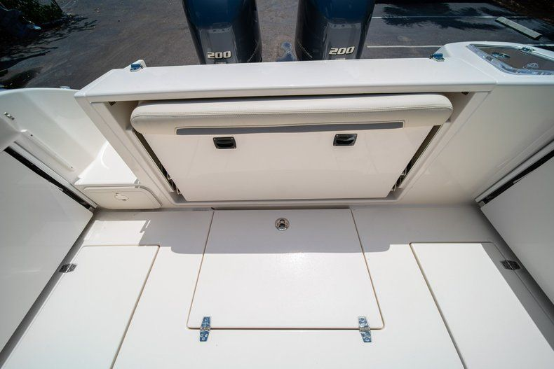 Image 16 for 2020 Cobia 280 DC Dual Console in West Palm Beach, FL